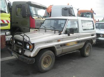 Auto Toyota Land Cruiser