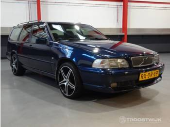 Volvo V70R AWD Estate - auto